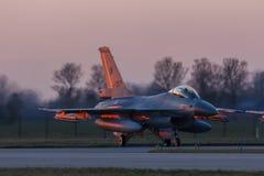 Leeuwarden Februari 6 2018: Övning för nattflyg Arkivbild