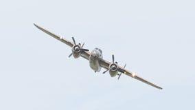LEEUWARDEN holandie - CZERWIEC 10: WW2 B-25 Mitchell bombowiec Zdjęcie Stock