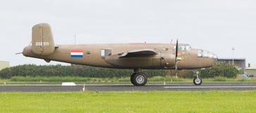 LEEUWARDEN holandie - CZERWIEC 10: WW2 B-25 Mitchell bombowiec Obrazy Stock