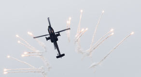 LEEUWARDEN holandie - JUN 11, 2016: Holender AH-64 Apache a Zdjęcie Stock