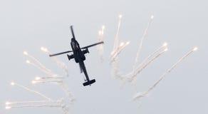 LEEUWARDEN NEDERLÄNDERNA - JUNI 11, 2016: Holländare AH-64 Apache a Arkivfoto