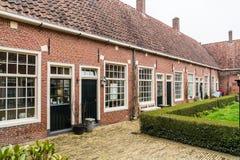 Leeuwarden, Nederland, 14 april 2018, Authentieke kleine cour Stock Fotografie