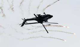 LEEUWARDEN, OS PAÍSES BAIXOS - 10 DE JUNHO DE 2016: AH-64 holandês Apache a Fotografia de Stock Royalty Free