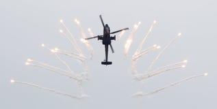 LEEUWARDEN, OS PAÍSES BAIXOS - 11 DE JUNHO DE 2016: AH-64 holandês Apache a Imagens de Stock Royalty Free