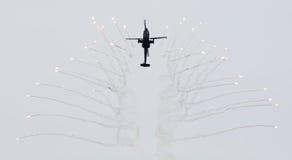 LEEUWARDEN, OS PAÍSES BAIXOS - 10 DE JUNHO DE 2016: AH-64 holandês Apache a Fotografia de Stock