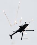 LEEUWARDEN, OS PAÍSES BAIXOS - 10 DE JUNHO DE 2016: AH-64 holandês Apache a Fotos de Stock