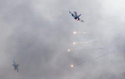 LEEUWARDEN, OS PAÍSES BAIXOS - 11 DE JUNHO DE 2016: Caça F-16 holandês j Imagem de Stock