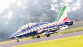 LEEUWARDEN, OS PAÍSES BAIXOS 10 DE JUNHO DE 2016: Chá aerobatic italiano Imagens de Stock Royalty Free