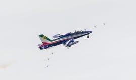 LEEUWARDEN, OS PAÍSES BAIXOS 11 DE JUNHO DE 2016: Chá aerobatic italiano Fotos de Stock