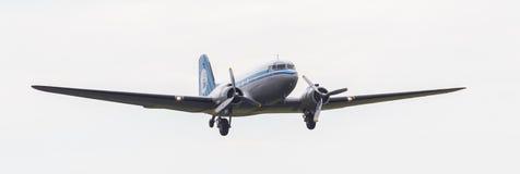 LEEUWARDEN, OS PAÍSES BAIXOS - 11 DE JUNHO DE 2016: Dakota (DC-3) PH-PB fotos de stock royalty free