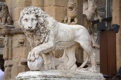 Leeuwbeeldhouwwerk in Venetië Stock Fotografie