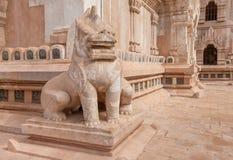 Leeuwbeschermer van de Ananda-tempel, Bagan stock foto