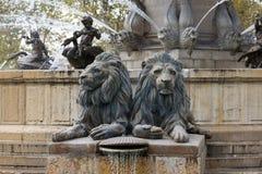 Leeuwen van Fontaine DE La Rotonde stock afbeeldingen