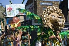 Leeuwmasker bij de Notting-Heuvel Carnaval Stock Foto