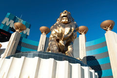 Leeuwstandbeeld bij Groot het Casinohotel van Las Vegas MGM op Las Vegas Stock Afbeeldingen