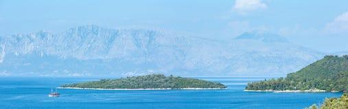 Lefkas-Küstensommerpanorama (Griechenland) Stockbilder