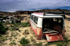 Left behind. Abandoned cars, in the middle of nowhere - wyoming stock photo
