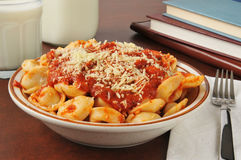 Leftover tortellini after school Royalty Free Stock Photos