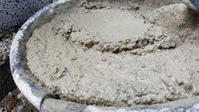 Leg bakstenen met cement mengt ton, mortierbeton Royalty-vrije Stock Foto's