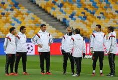 Lega di campioni di UEFA Dynamo Kiev v Benfica: addestramento della pre-partita Immagine Stock