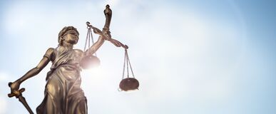 Free Legal Law Concept Statue Of Lady Justice With Scales Of Justice Sky Background Stock Photo - 173619370