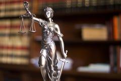 Legale Statue Themis des Rechtsanwaltsbüros Lizenzfreies Stockfoto