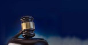 Legales Gesetzes- oder Auktionskonzeptbild Stockbild