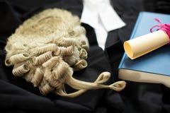 Legalnego pojęcia Wciąż życie adwokat peruka Z togą I wytyczne obraz royalty free