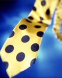 Legame di colore giallo del puntino di Poka Immagini Stock