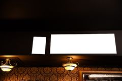 Lege advertentiespot op kader op de vage achtergrond van de bar - Lege ruimte voor reclame royalty-vrije stock foto