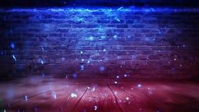 Lege bakstenen muurachtergrond, nachtmening, neonlicht, stralen Feest achtergrond Rook royalty-vrije stock afbeeldingen