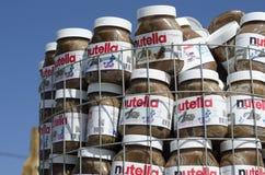 Lege blikken van chocoladedeeg van het wereldberoemde merk royalty-vrije stock afbeelding