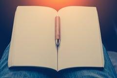 Lege blocnote en een potlood jpg Stock Fotografie