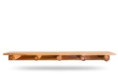 Lege bovenkant van houten die plank of teller op witte backgroun wordt geïsoleerd stock foto