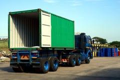 Lege containervrachtwagen royalty-vrije stock afbeelding