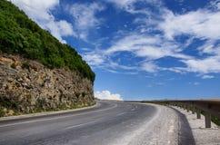 Lege de wegkromme van de berg stock afbeelding