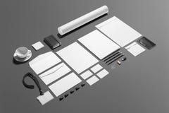 Lege die kantoorbehoeften het brandmerken reeks op grijs wordt geïsoleerd Stock Foto