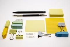 Lege die notitieboekje en pen op witte achtergrond wordt geïsoleerd Stock Fotografie