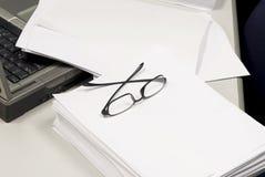 Lege document en lezingsglazen Royalty-vrije Stock Foto's