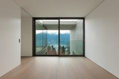 Lege flat, ruimte met venster Royalty-vrije Stock Foto's