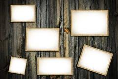 Lege fotokaders op houten lijst Hoogste mening Royalty-vrije Stock Afbeeldingen