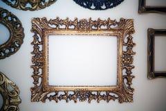 Lege frames op muur Stock Fotografie