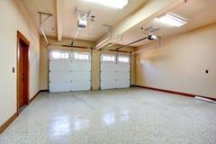Lege garage. royalty-vrije stock foto's