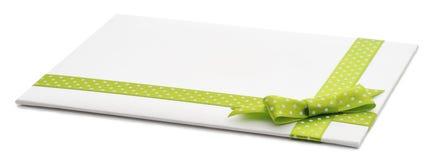Lege gift met een groene boog Stock Fotografie