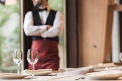 Lege glanzende wijnglazen Stock Afbeelding