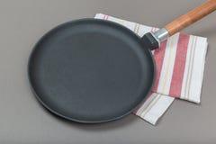 Lege grill pan, hoogste mening stock afbeeldingen