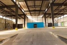 Lege hangaar Royalty-vrije Stock Afbeeldingen