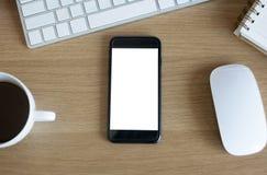 Lege het schermsmartphone op bureaulijst Stock Foto's