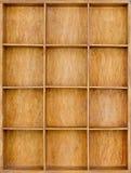 Lege houten bruine zaad of brieven of collectibles vakje stock fotografie