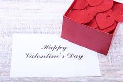 Lege huidige Valentine-kaart op houten achtergrond Royalty-vrije Stock Foto